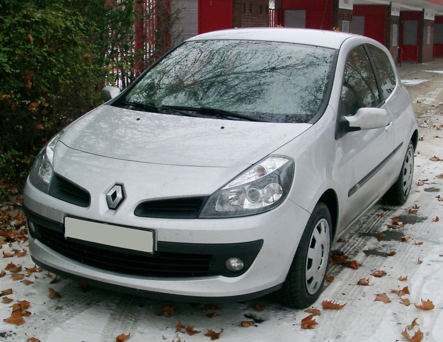 renault clio front bumper 2006 2009 new new not campus. Black Bedroom Furniture Sets. Home Design Ideas